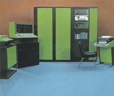 Vintage computers are awesome. via whorange and Hip 'n' Vintage #computers #office #mainframe