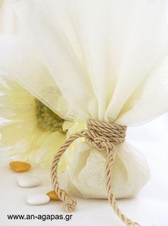 Μπομπονιέρα γάμου εκρού γαλλικό τούλι στριφτό κορδόνι – Favor Kit ...