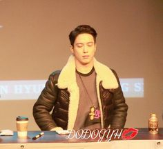 Yonghwa at fansign event