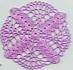 Francis? Crochet Curtains, Crochet Doilies, Crochet Flowers, Crochet Stitches, Crochet Patterns, Crochet Home, Crochet Projects, Coasters, Diy And Crafts