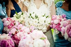 Gorgeous spring time bouquets!    Photo:  Jag Studios