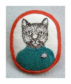 Cat brooch by Mariet Vosloo - kittens with mittens