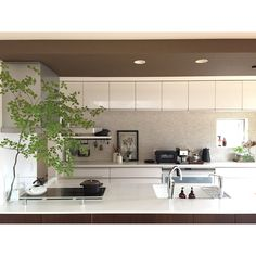 Kitchen/IKEA/エコカラット/キッチンカウンター/デロンギ/STAUB...などのインテリア実例 - 2018-06-07 09:18:38 | RoomClip (ルームクリップ) Room Interior, Interior And Exterior, Kitchen Dining, Kitchen Cabinets, Japanese House, Room Inspiration, Sweet Home, New Homes, Indoor