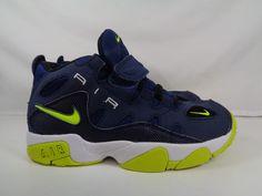 Kids Nike Air Turf Raider Basketball Shoes size 5 Youth 599812-471  Nike   86f42b0b0