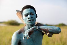 A young man from the Toafo Asafo Hunters group looks for deer during the Deer Hunting Festival in Winneba, Ghana [EPA/Christian Thompson, 985 × 657] : HumanPorn