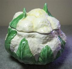 VIETRI Italy Majolica Pottery Hand Painted Cauliflower Box with Lid