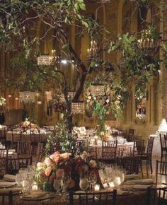 Enchanted Forest Quinceanera Theme, Enchanted Forest Prom, Enchanted Forest Decorations, Enchanted Garden Wedding, Magical Forest, Enchanted Wedding Themes, Forest Wedding Decorations, Fantasy Wedding, Dream Wedding