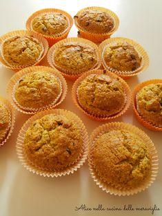 Muffin alle carote, mandorle e gocce di cioccolato, ricetta dolce senza grassi aggiunti