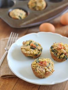 These bacon spinach breakfast frittata muffins are paleo and a great healthy addition to any breakfast spread. Packed with tons of protein, they'll keep you full for hours. Frittata Muffins, Bacon Muffins, Spinach Frittata, Breakfast Frittata, What's For Breakfast, Paleo Breakfast, Breakfast Recipes, Baby Spinach, Paleo Frittata