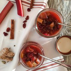 Easy recipe for Spiced Honey Rhubarb Chutney, delicious relish and condiment. Cardamom and ginger spiced, dried cranberries, red wine vinegar and honey. Ginger Chutney, Cranberry Chutney, Top Recipes, Real Food Recipes, Cooking Recipes, Healthy Rhubarb Recipes, Vegetarian Recipes, Rhubarb Sauce, Vinegar And Honey
