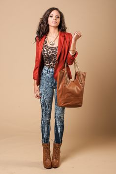 Like the colors together Work Fashion, Fashion Pants, Fashion Outfits, Fashion Ideas, Fashion Inspiration, Dope Outfits, New Outfits, Acid Wash Jeans Outfit, Red Blazer Outfit
