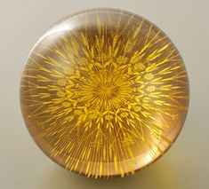 Glass Paperweights, Traditional Art, Decorative Bowls, Glass Art, Arts And Crafts, Bloom, Ceiling Lights, Japan, Beautiful