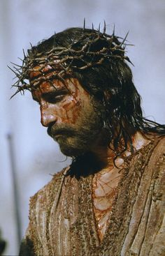 Still of Jim Caviezel in The Passion of the Christ. I pinned this because I just wanna say he looks like Richard Dreyfuss. Let me know if I'm wrong.