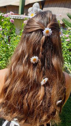 🌿 Se vuoi saperne di più seguici su Instagram o visita il nostro shop Etsy🌺🌿 Fairy Tales, Hair Accessories, Hairstyle, Cosplay, Fantasy, Long Hair Styles, Flowers, Handmade, Etsy