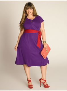 With the darling red pumps! Kelsey Plus Size Wrap Dress in Grape by IGIGI Spring Dresses, Day Dresses, Plus Size Dresses, Plus Size Outfits, Casual Dresses, I Love Fashion, Curvy Fashion, Girl Fashion, Fashion Ideas