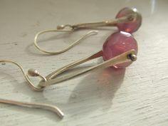 Simple pinned bead earrings