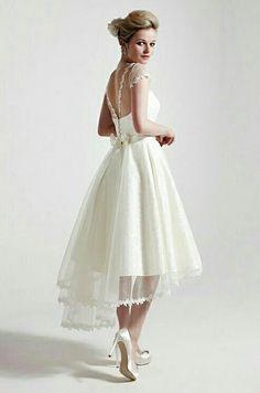 {Bridal} Sassie Holford. Lovely short summer wedding dress. #bridal #wedding #weddinggown