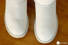 Uggs are not only the most loved but also the most controversial boots on the market. Ugg Boots Care, Ugg Style Boots, Sorel Boots, Timberland Boots, Shearling Boots, Leather Boots, Clean Boots, How To Clean Suede, Doc Martens Boots