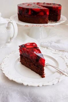 Chocolate dust: Chocolate berry jello cake