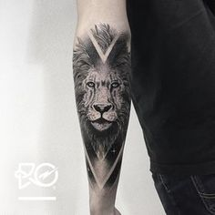 cosmic lion tattoo on the forearm Leo Tattoos, Anchor Tattoos, Body Art Tattoos, Arm Tattoo, Sleeve Tattoos, Lion Sleeve, Body Modifications, Oeuvre D'art, Tattoo Inspiration