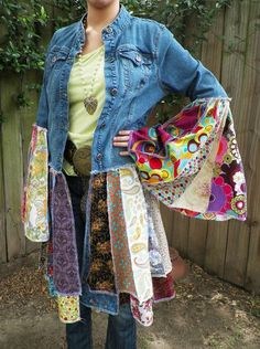 redone denim jacket, fun and happy colors, hand created, hippie Jeans Recycling, Recycle Jeans, Upcycle, Diy Vetement, Denim Ideas, Altered Couture, Old Jeans, Recycled Denim, Clothing Hacks