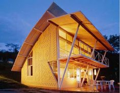 """""""Casa Eugenia"""" - A Brazilian architect, Joao Diniz, created a beautiful and sustainable house design. Sustainable Schools, Sustainable Design, Contemporary Architecture, Architecture Design, Interior Design Pictures, Sea Ranch, Unique House Design, Beaux Villages, Passive House"""