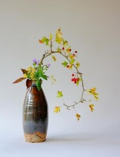 List of Joan D. Stamm's events and classes related to book talks and ikebana classes. Ikebana Flower Arrangement, Ikebana Arrangements, Floral Arrangements, Manzanita Centerpiece, Centerpieces, Sogetsu Ikebana, Oriental Flowers, Arte Floral, Topiary