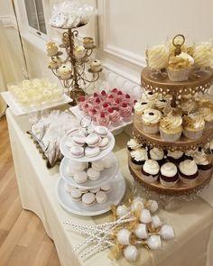 New year eve wedding  #carinaedolce www.carinaedolce.com www.facebook.com/carinaedolce New Years Eve Weddings, Wedding Cakes, Facebook, Wedding Gown Cakes, Wedding Pie Table, Wedding Cake, Cake Wedding, Wedding Pies