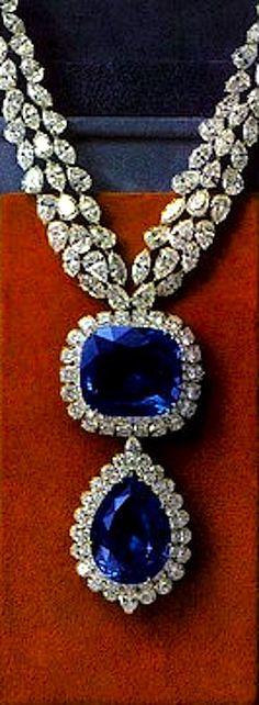 blue-sapphire-earrings-18k-white-gold-clip-on-diamond-blue-sapphire-earringsVan Cleef Arpels Necklace