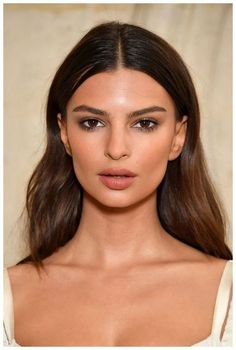 New natural makeup inspiration ideas. Fairly neutral day - New Site - Emily Ratajkowski. New natural makeup inspiration ideas. Make Up Looks, Make Up For Work, Beauty Make-up, Hair Beauty, Brown Skin Makeup, Neutral Makeup, Brown Eyeshadow, Natural Makeup For Brown Eyes, Office Makeup
