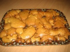 Fotorecept: Mäkké medovníčky Christmas Goodies, Christmas Baking, Dairy, Cheese, Cookies, Recipes, Food, Basket, Bakken