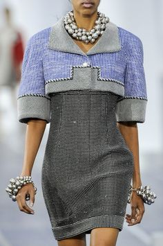 Chanel Spring 2013 (just because I post it, doesn't mean I have to love it ...)