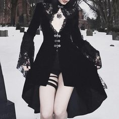 Aesthetic Grunge Outfit, Aesthetic Clothes, Gothic Fashion, Vintage Fashion, Chica Punk, Mode Sombre, Goth Dress, Dress Lace, Mode Vintage