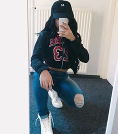 Cropped hoodie and White Timberlands ❤️❤️ Tumblr Outfits, Swag Outfits, Dope Outfits, Trendy Outfits, Instagram Outfits, Instagram Baddie Outfit, Looks Style, My Style, Teen Fashion