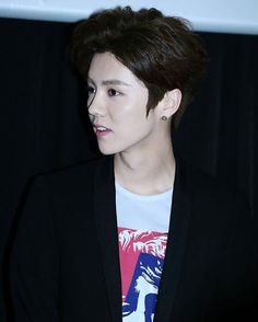《#Throwback》 Luhan @ Back To 20 Premiere In Taiwan × Perfect side profile of Luyè  Yo yo yo~ good afternoon Lufans × | #LuHan #ルハン #루한 #鹿晗 #达令… »