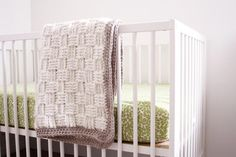 Ivory Basket Weave Baby Blanket | You will love the exciting texture on this easy crochet baby blanket!