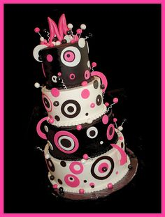 cute as hell!! Im not sure what i'm gonna do for my wedding cake, but i definitely want something wild like this <3
