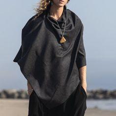 Nomad Fashion, Mori Fashion, Bohemian Style Men, Bohemian Mens Fashion, Wool Cape, Wool Poncho, Ancient Greek Clothing, Black Harem Pants, Androgynous Fashion