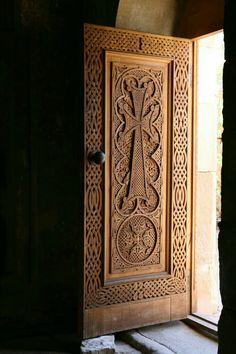 Armenia NoraVank Monastery Door The carved knot work is phenomenal. With current CNC 3 axis machines, it wouldn't be difficult to do with. Cool Doors, Unique Doors, Wooden Door Design, Wooden Doors, Knobs And Knockers, Door Knobs, Entrance Doors, Doorway, Doors Galore