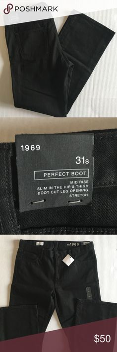 "🆕 GAP 1969 Black Perfect Boot Jeans (31 S) NWT - You can never have too many jeans.  These black jeans go with everything.  Dress up or down, you can't go wrong with black jeans.  Material:  98% Cotton/2% Elastane.  Measurements (Flat):  Length - 39""/Waist - 17""/Inseam - 29.5""/Rise - 9.5"" GAP Jeans Boot Cut"