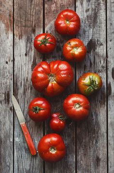 Rich in color and flavorful juice, each heirloom tomato reminds one of summer, year round. Vegetables Photography, Fruit Photography, Food Photography Styling, Food Styling, Fruit And Veg, Fruits And Veggies, Fresh Fruit, Fruit Food, Organic Recipes