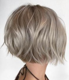 100 Mind-Blowing Short Hairstyles for Fine Hair Choppy Rounded Ash Blonde Bob Short Layered Haircuts, Thin Hair Haircuts, Short Bob Hairstyles, Hairstyles Haircuts, Short Hair Cuts, Cool Hairstyles, Short Hair Styles, Blonde Hairstyles, Bob Haircuts