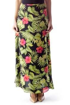 d62d2f1bc Summer must-have black floral midi skirt by Lauren Ralph Lauren #silkroll  Midi Skirt