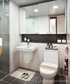 The useful details is here Creative Bathroom Decor Bathroom Toilets, Bathroom Renos, Bathroom Interior, Interior Design Living Room, Small Bathroom, Bathrooms, Restroom Design, Restroom Ideas, Walk In Shower Designs