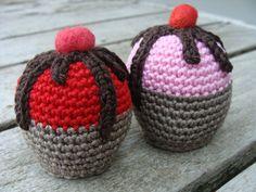 DSC02146 Crochet Cake, Crochet Food, Crochet Diagram, Crochet Patterns, Birthday Cup, No Bake Cake, Free Pattern, Cupcakes, Knitting
