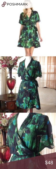 Townsen silk wrap dress In excellent condition. Worn just once. No defects found.                            e townsen Dresses