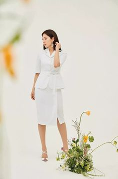 Park Shin Hye Accessorizes With Flowers in S/S 2020 Mojo S. Phine CF Pictorial | A Koala's Playground Park Shin Hye, Peplum Dress, Dress Up, Girls With Flowers, Korean Actresses, Classy And Fabulous, Office Outfits, Couture Fashion, White Dress