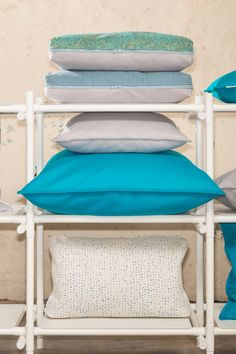 Gewoon BASIC SMALL, LARGE & #COCO kussens in turquoise, blauw, grijs en wit. // Gewoon cushions BASIC SMALL, LARGE and COCO in Soft Grey, Turquoise, Disperse, Steelcut Trio and Moraine. // Onze complete collectie op www.gewoonnl.nl // Stick System cupboard by Menu. // #GewoonNL