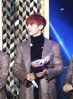 Chanyeol - 160217 5th Gaon Chart K-POP Awards Credit: Whiteday27. (제5회 가온차트 케이팝 어워드)