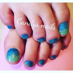 Teal and blue green mermaid gel toes!